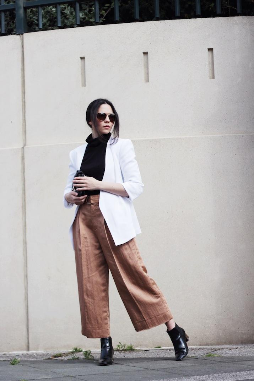 Тренд: модные брюки-кюлоты - фото №30