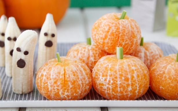 Простые рецепты на Хэллоуин: как из обычных продуктов сделать съедобный декор к празднику - фото №6