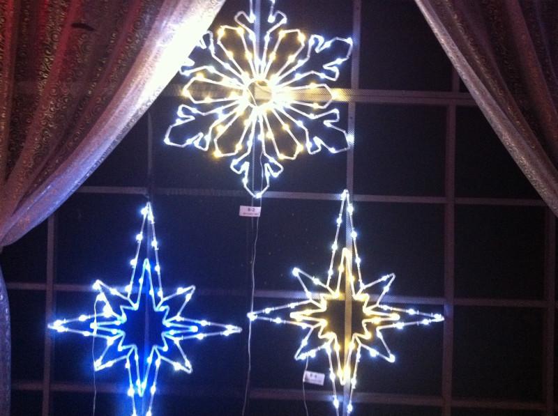 Как украсить окна к Новому году - фото №2