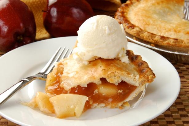Рецепт яблочного пирога с корицей и орехами: прекрасный вариант десерта выходного дня - фото №2