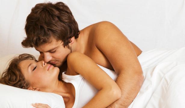 Приснился секс с начальником - такое снится к выговору, повышению в должности, долгожданной поездке, в которой вы приобретете неоценимый профессиональный опыт.