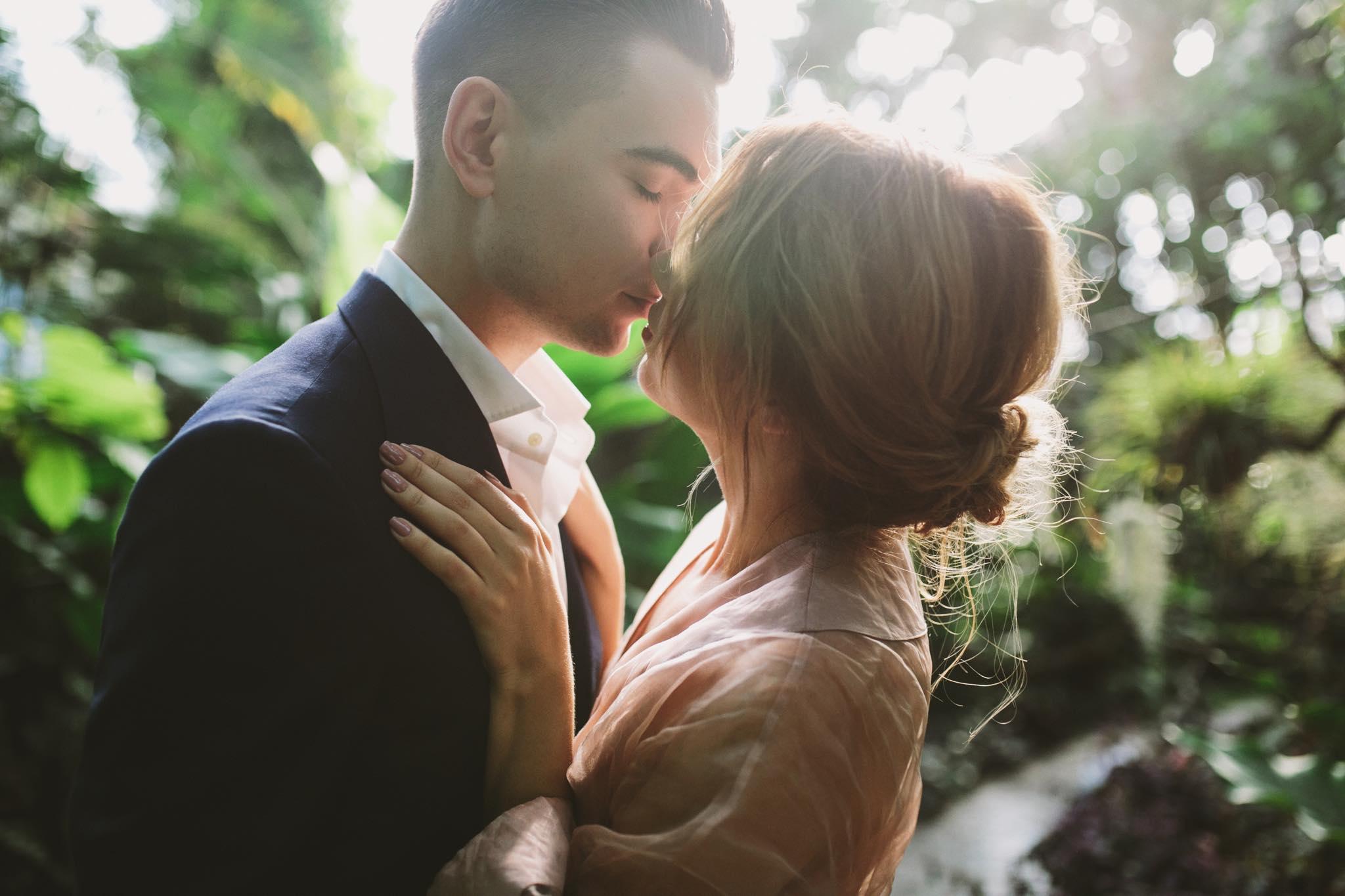 Видео секс давно не видевшихся влюбленных, изменила мужу при нем порно
