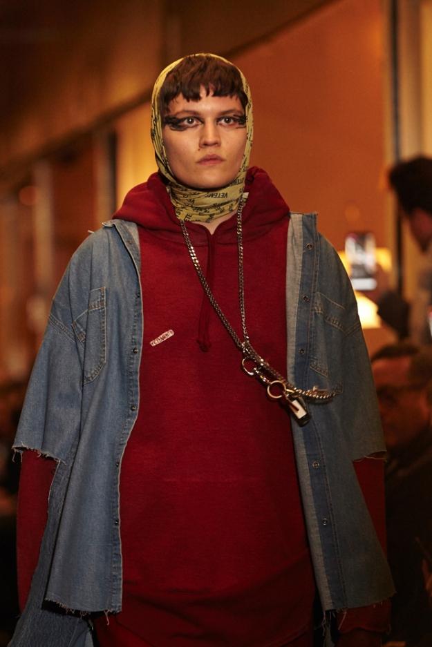 Что-то новенькое: бабушкин платок станет новым трендом в мужской моде-
