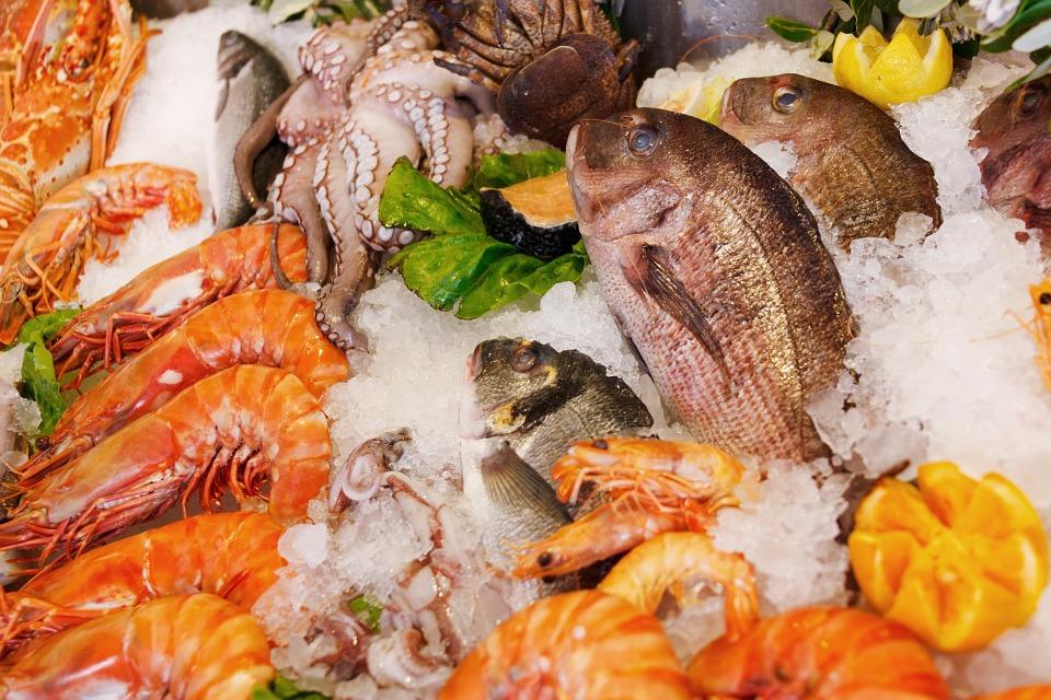 """""""Правила выживания"""": как выбрать свежую рыбу и не натолкнуться на опасный для жизни продукт?"""