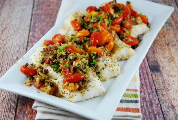 Рыба по-гречески, запеченная в духовке: рецепт с помидорами и сыром - фото №2