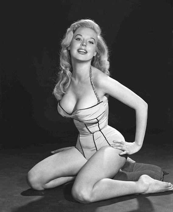 Как менялись женские фигуры в ХХ веке - фото №3