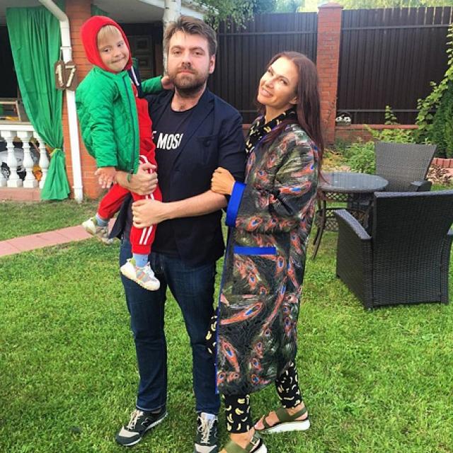 """Экс-мужа Эвелины Бледанс осудили за то, что он бросил ее ради перспективы """"родить"""" здорового ребенка с молодой пассией - фото №2"""