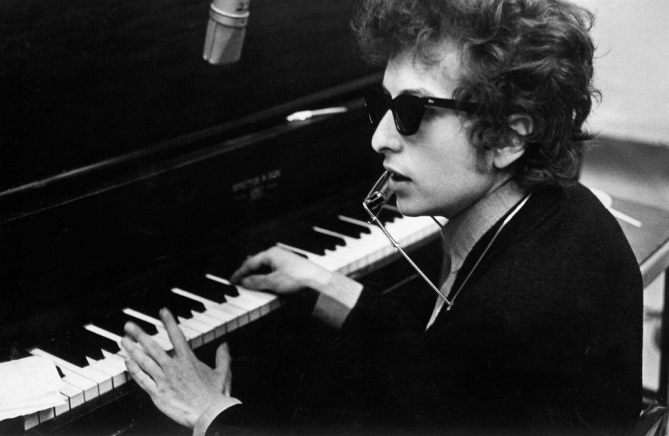 Что нужно знать о лауреатах Нобелевской премии и почему не стоит гнобить Боба Дилана за достижения в литературе - фото №19