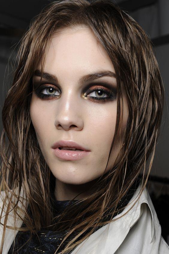Надо попробовать: делаем сочный макияж с акцентом на нижнее веко (+ВИДЕО) - фото №9