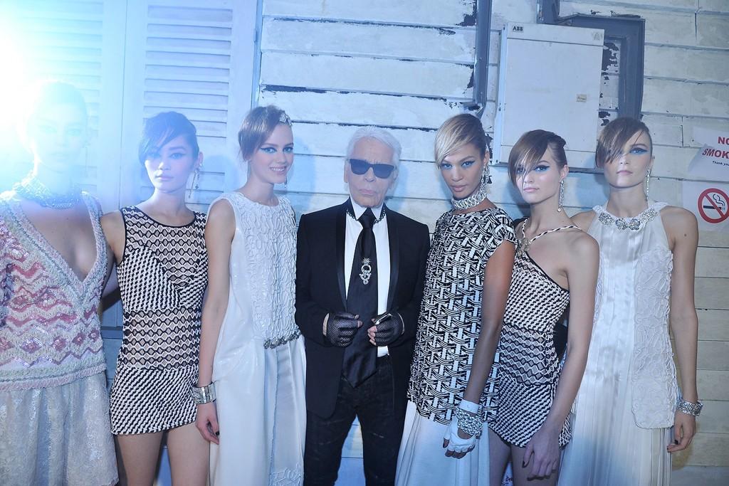 В Сингапуре прошел показ круизной коллекции Chanel - фото №8