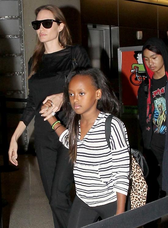 Новая драма Анджелины Джоли: актриса боится, что ее бросит приемная дочь из Эфиопии - фото №1