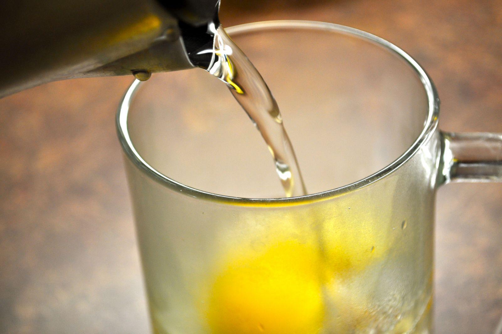 Зачем пить воду с лимоном по утрам - фото №2