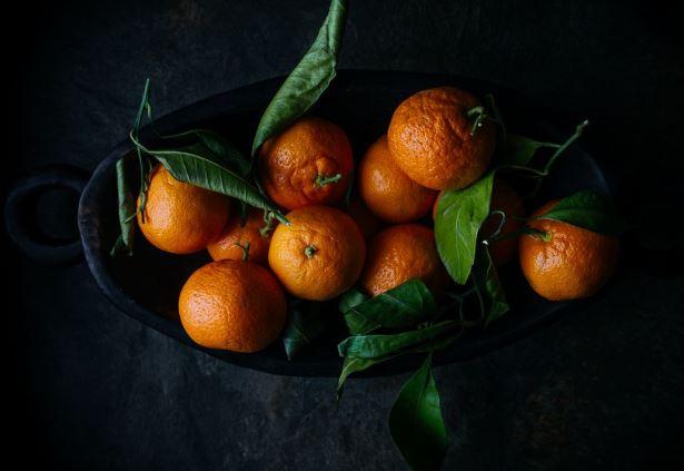 Чем полезны мандарины: свойства зимних фруктов - фото №1