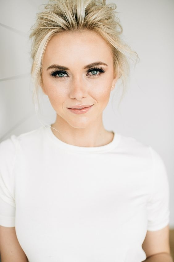 Пошаговая инструкция: делаем стильный макияж для блондинок с голубыми, серыми и карими глазами (+ВИДЕО) - фото №7