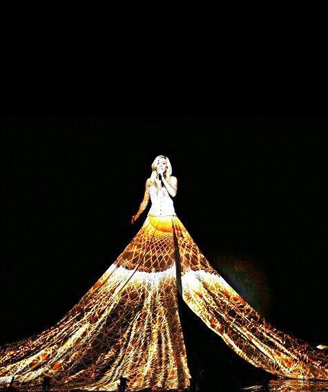 элли голдинг платье проектор