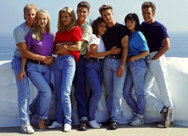 Как вернулись в моду несексуальные мом-джинсы - фото №2