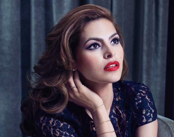 Какой макияж делает Ева Мендес - фото №1