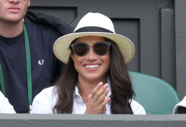 """Почему Кейт Миддлтон никогда не накрасит ногти ярким лаком: любимый """"королевский"""" цвет и фирма лака - фото №5"""
