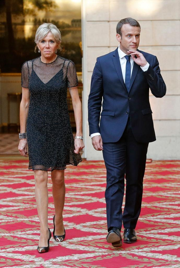 как на самом деле одеваются француженки    стиль брижит макрон фото