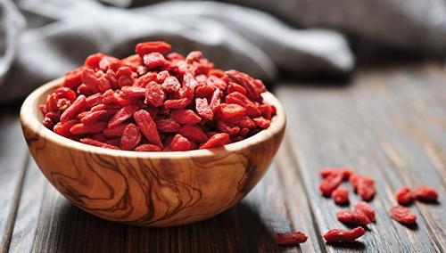 Все, что мы должны знать про ягоды годжи: чем полезны и кому противопоказаны - фото №2