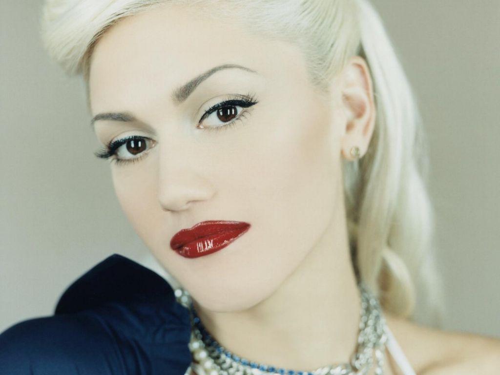 Как сделать вечерний макияж для блондинки - фото №2