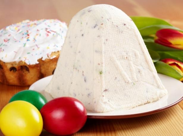 Кулич из творога: два ценных рецепта домашней паски с выпечкой и без нее - фото №2