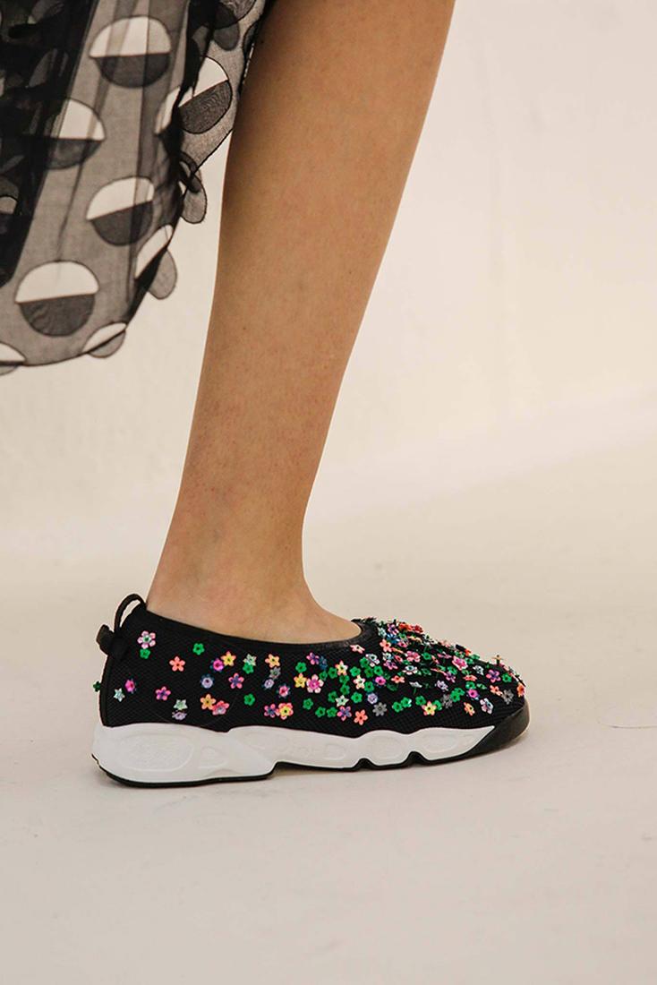 Кроссовки как вечерняя обувь