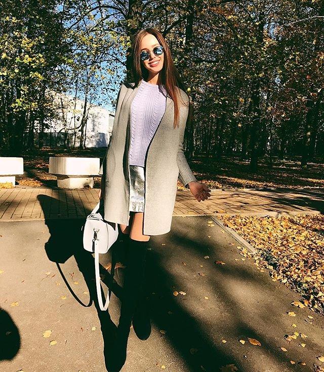 Новая пассия Дмитрия Тарасова удивила выбором дешевого наряда (ФОТО) - фото №2