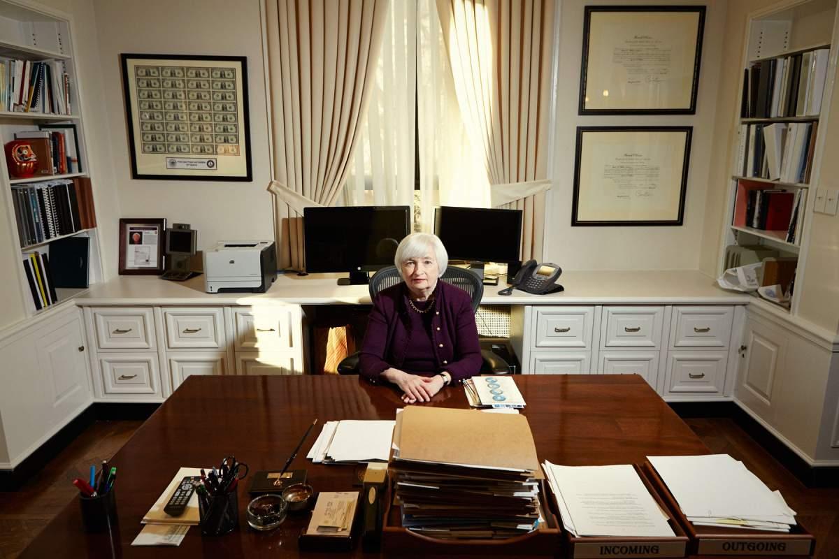 Кто стал самой влиятельной женщиной мира по версии Forbes - фото №4
