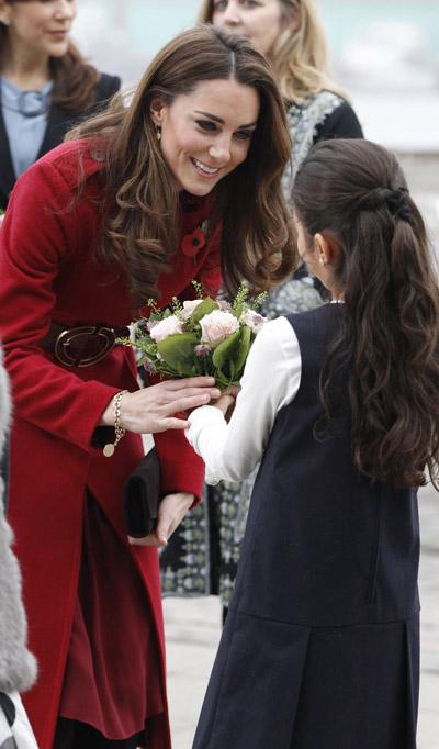 Официальный визит королевской пары. ФОТО - фото №1