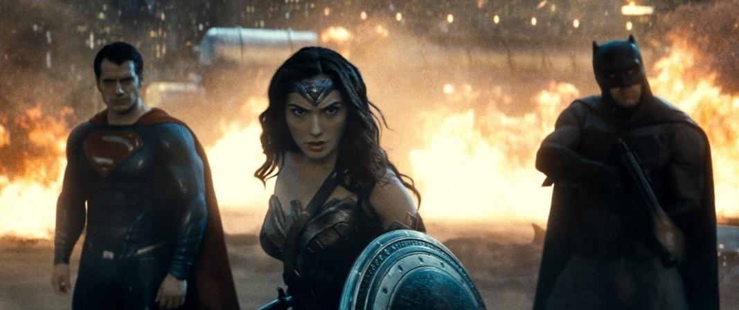 Рецензия на фильм «Бэтмен против Супермена»: почему этот бой станет решающим для зрителя - фото №6