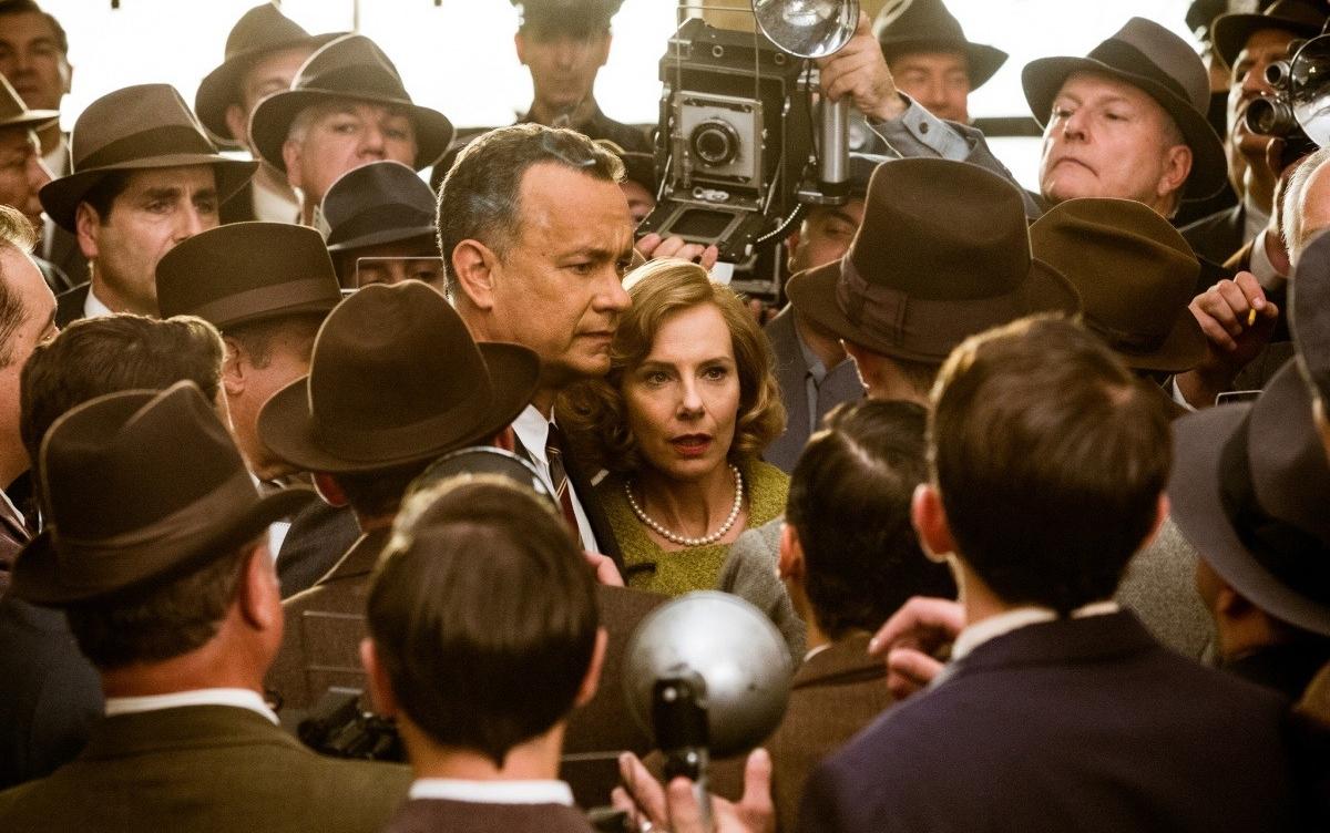 Что посмотреть в декабре фанаткам кино: Джоли-Питт, шпионы Тома Хэнкса и Звездные войны - фото №1