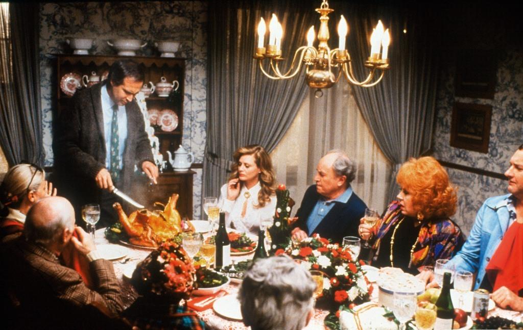 Что посмотреть на праздники: 10 легких фильмов - фото №3