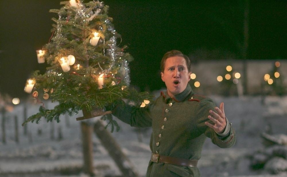 Что посмотреть: 7 фильмов про Рождество и Новый год - фото №4