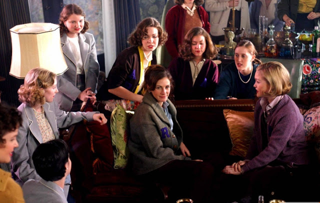 Что посмотреть: 15 фильмов о сильных духом женщинах - фото №9