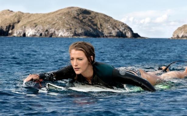 Спешим в кино на лучшие премьеры июля: Блейк Лайвли спасается от акулы, а Матерь Драконов влюбляется - фото №2