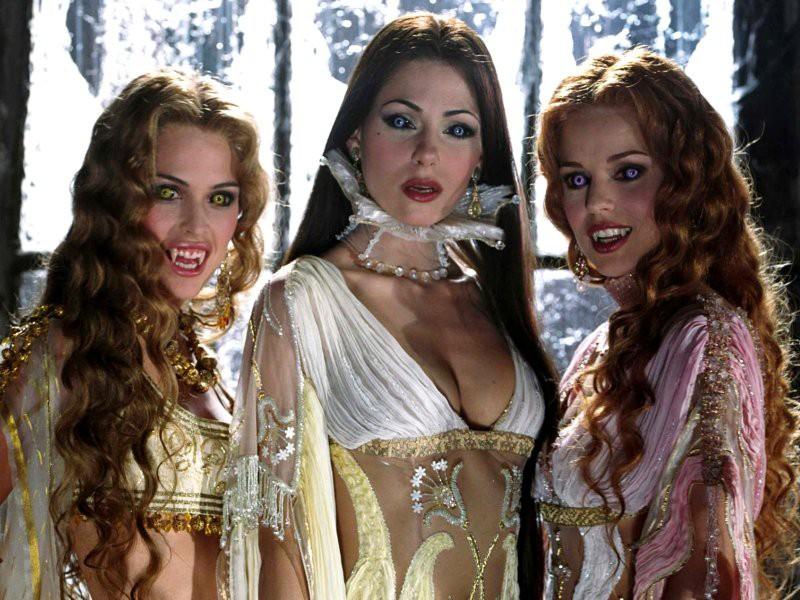 Как одеться на Хэллоуин: образы героинь мистических фильмов - фото №3