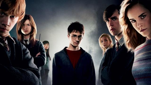 Отредактировала: Джоан Роулинг призналась, что Гарри Поттеров cначала было двое - фото №2