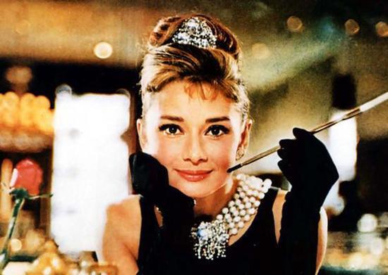 Как повторить макияж Одри Хепберн - фото №1