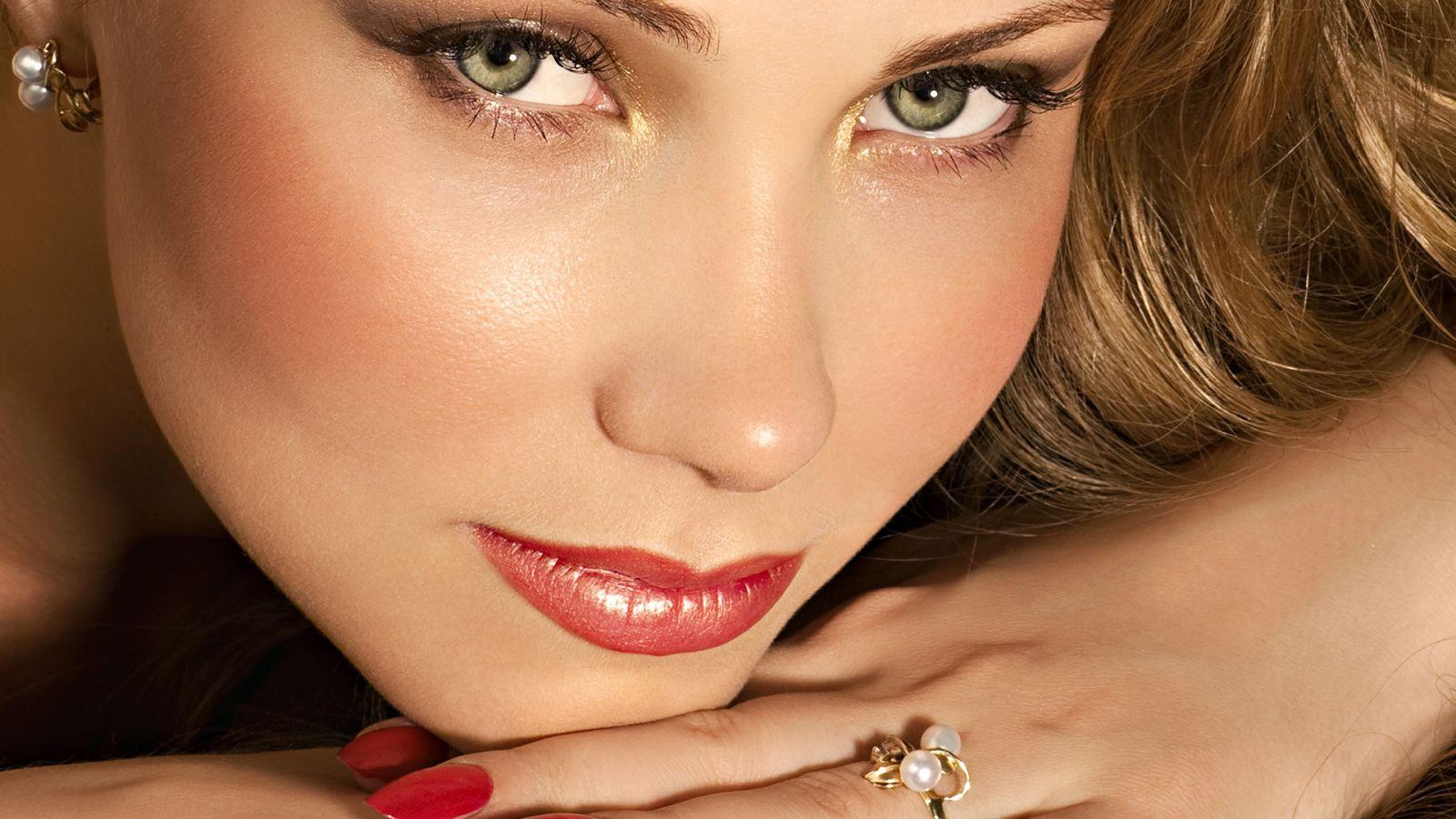 Встречаем осень: главные тенденции осеннего макияжа - фото №7