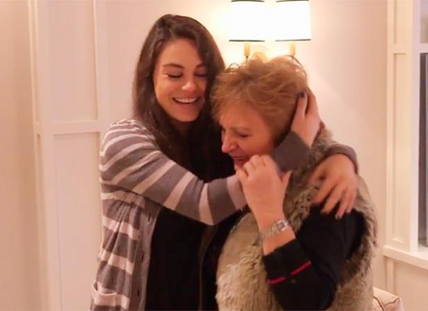 мила кунис с мамой