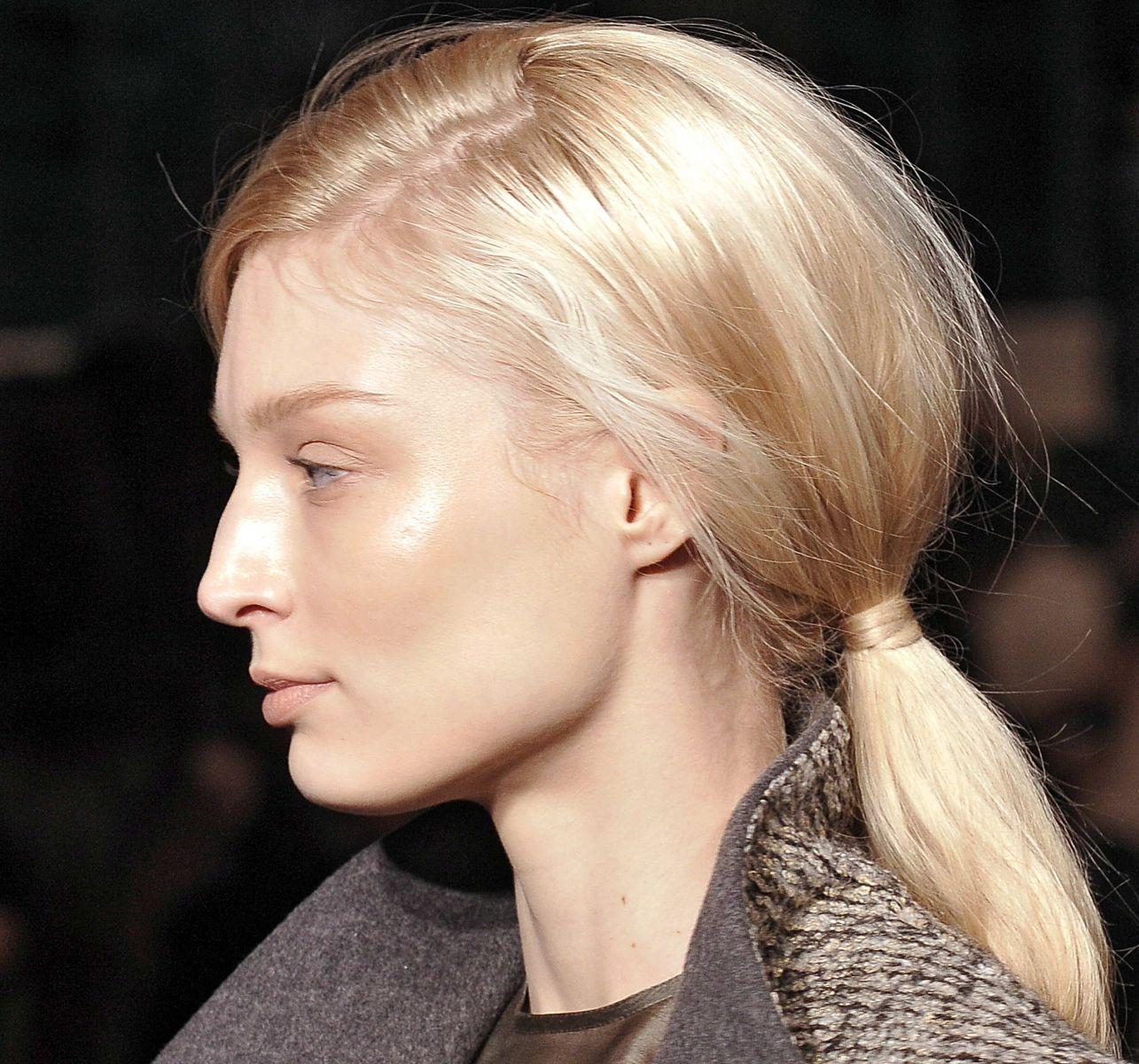 Как быть красивой весной 2015: тренды макияжа, причесок, маникюра - фото №1