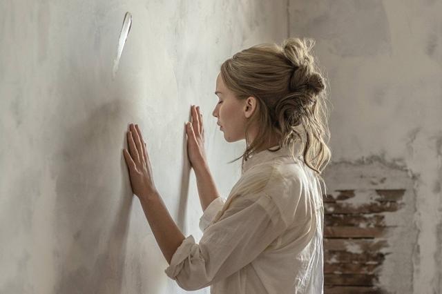 Фильм «мама!» Даррена Аранофски: шокирующая картина, которую нужно посмотреть дважды - фото №1