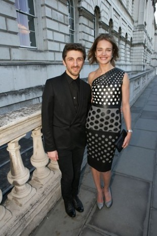 Любимый дизайнер Бейонсе, Гаги и Рианны едет в Киев - фото №6