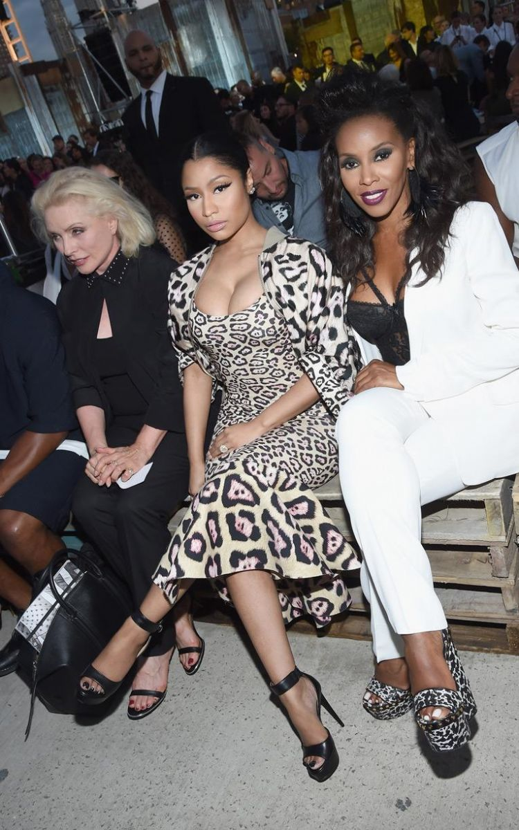 Гости Недели моды весна-лето 2016 в Нью-Йорке: на других поглядеть, да себя показать - фото №9