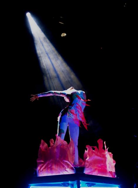Киев ждет супершоу от артистки цирка Дю Солей - фото №1