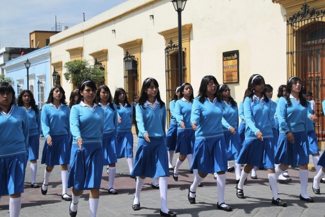 Самая красивая школьная форма в разных странах мира  Школьная форма Мексики