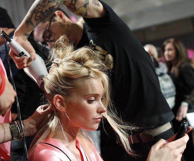 Состоялось модное шоу Victoria`s Secret 2012 - фото №34