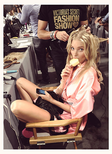 Состоялось модное шоу Victoria`s Secret 2012 - фото №36