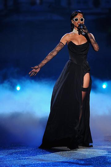 Состоялось модное шоу Victoria`s Secret 2012 - фото №4